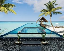 Reethi Rah Lap Pool Maldives
