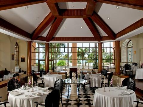 Crème de Cancun:  The Top Five Resorts  (4/6)
