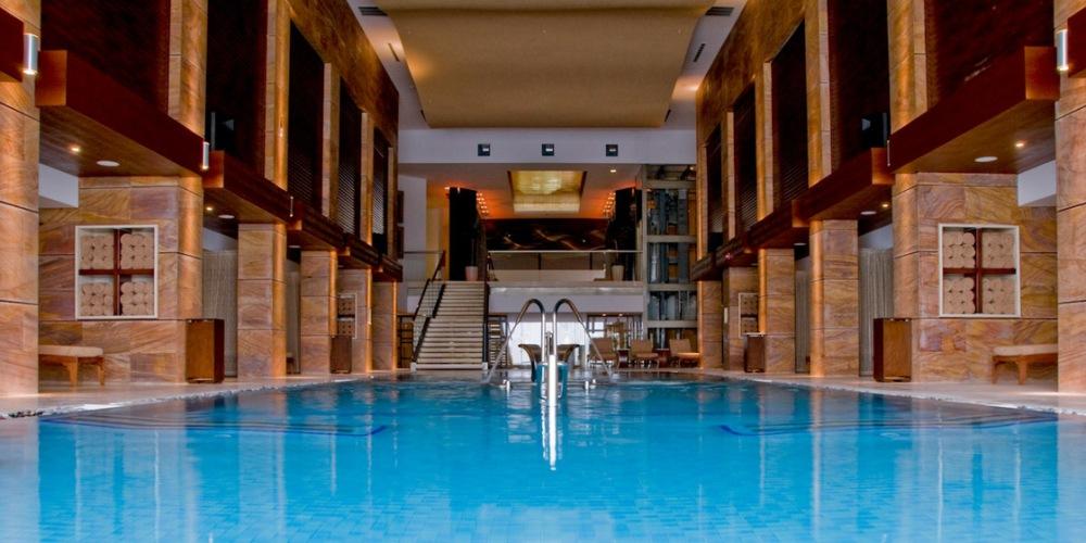 Crème de Cancun:  The Top Five Resorts  (3/6)
