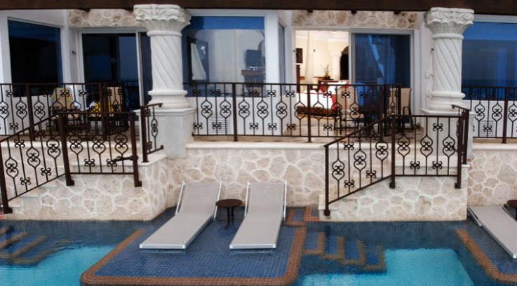 Crème de Cancun:  The Top Five Resorts  (5/6)