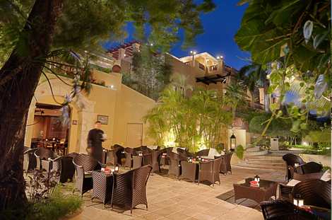 Royal Hideaway Restaurant Evening